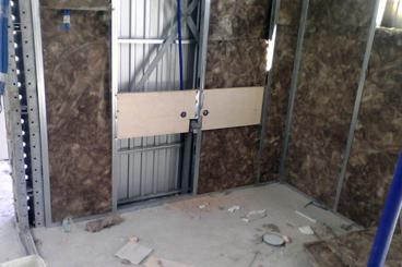 Montaje de paredes interiores perimetrales